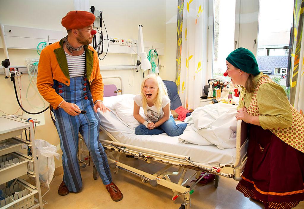 Omvendt julegave til Sykehusklovnene